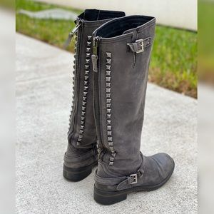 Learher studded boots